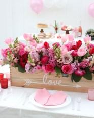 Amazing Outdoor Valentine Decoration Ideas 05