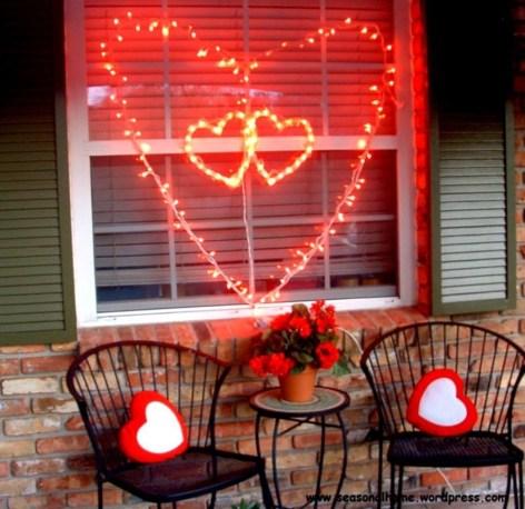 Amazing Outdoor Valentine Decoration Ideas 09