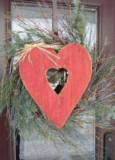 Amazing Outdoor Valentine Decoration Ideas 15