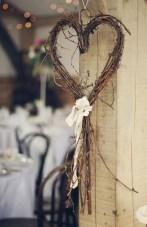 Amazing Outdoor Valentine Decoration Ideas 35
