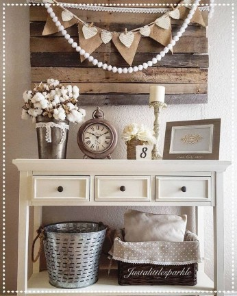 Beautiful Rustic Entryway Decoration Ideas 16