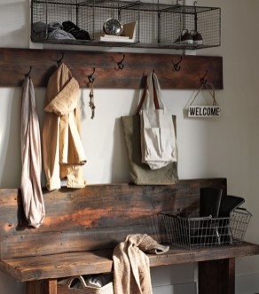 Beautiful Rustic Entryway Decoration Ideas 32