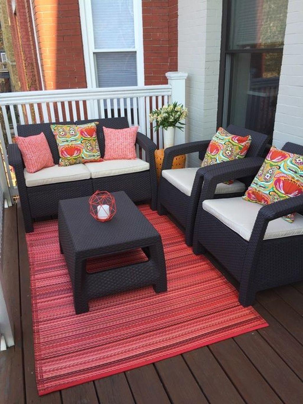 Cozy Apartment Balcony Decoration Ideas 23