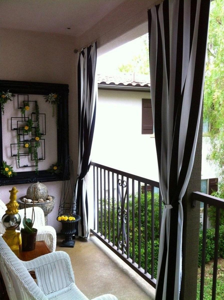 Cozy Apartment Balcony Decoration Ideas 25