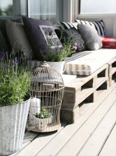 Cozy Apartment Balcony Decoration Ideas 37