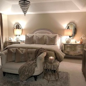 Elegant Small Master Bedroom Decoration Ideas 01
