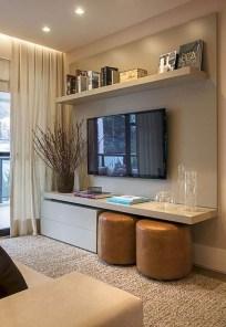 Elegant Small Master Bedroom Decoration Ideas 22