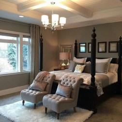 Elegant Small Master Bedroom Decoration Ideas 31