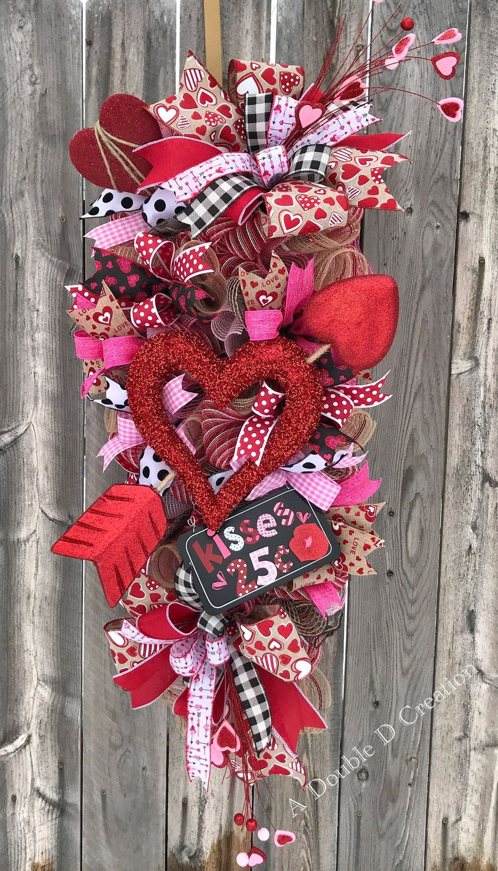 Fun And Festive Way Decorate Your Home For Valentine 13