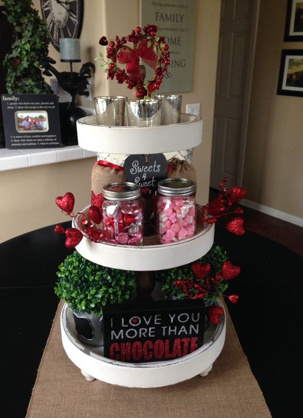 Fun And Festive Way Decorate Your Home For Valentine 16