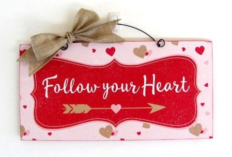 Fun And Festive Way Decorate Your Home For Valentine 25