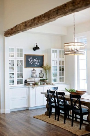 Inspiring Rustic Farmhouse Dining Room Design Ideas 15