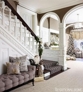 Warm And Cozy Classic Winter Home Decoration Ideas 30