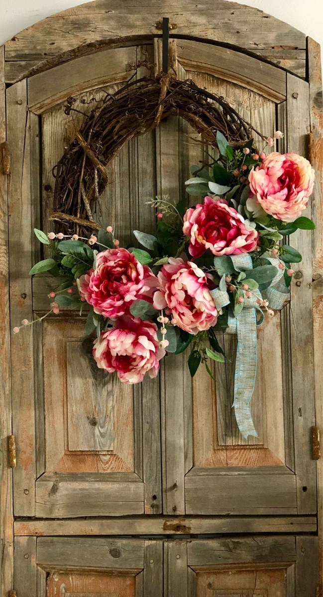 Adorable Farmhouse Spring And Summer Porch Decoration Ideas 01