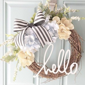 Adorable Farmhouse Spring And Summer Porch Decoration Ideas 20