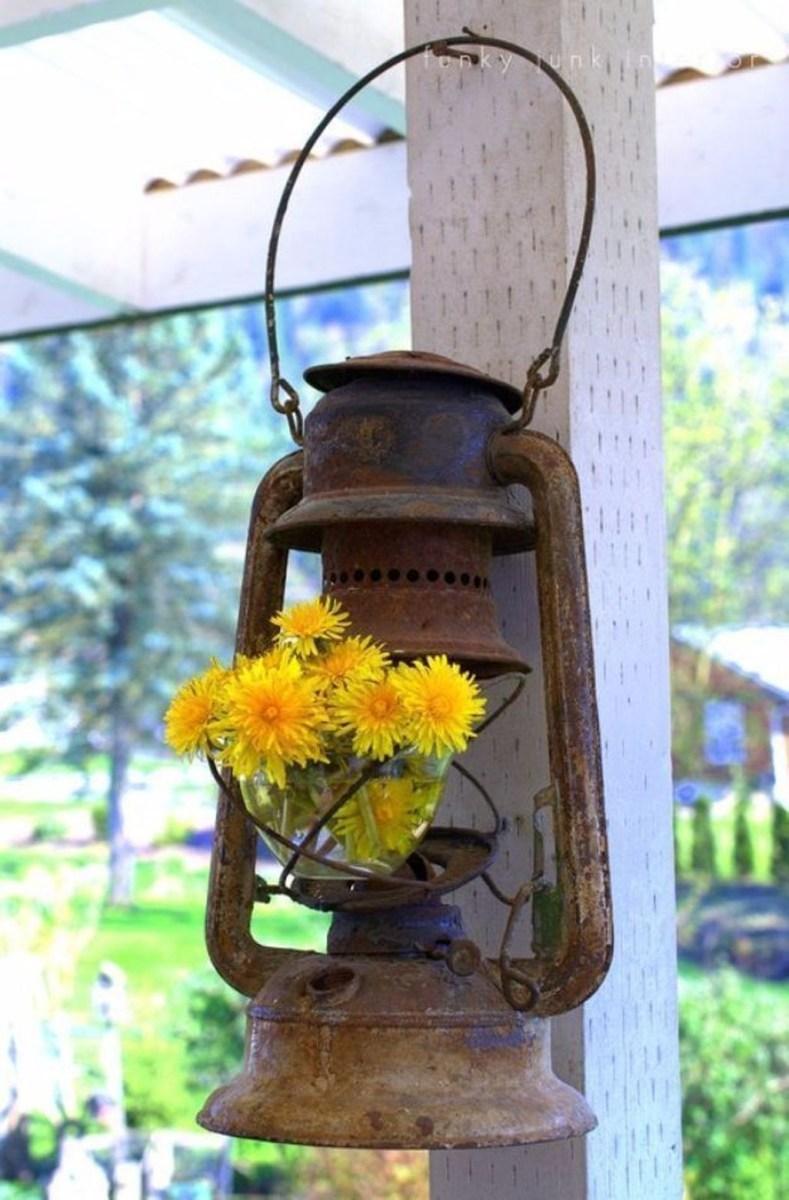 Adorable Farmhouse Spring And Summer Porch Decoration Ideas 21