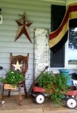 Adorable Farmhouse Spring And Summer Porch Decoration Ideas 28