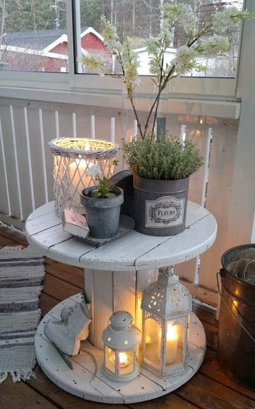 Adorable Farmhouse Spring And Summer Porch Decoration Ideas 35