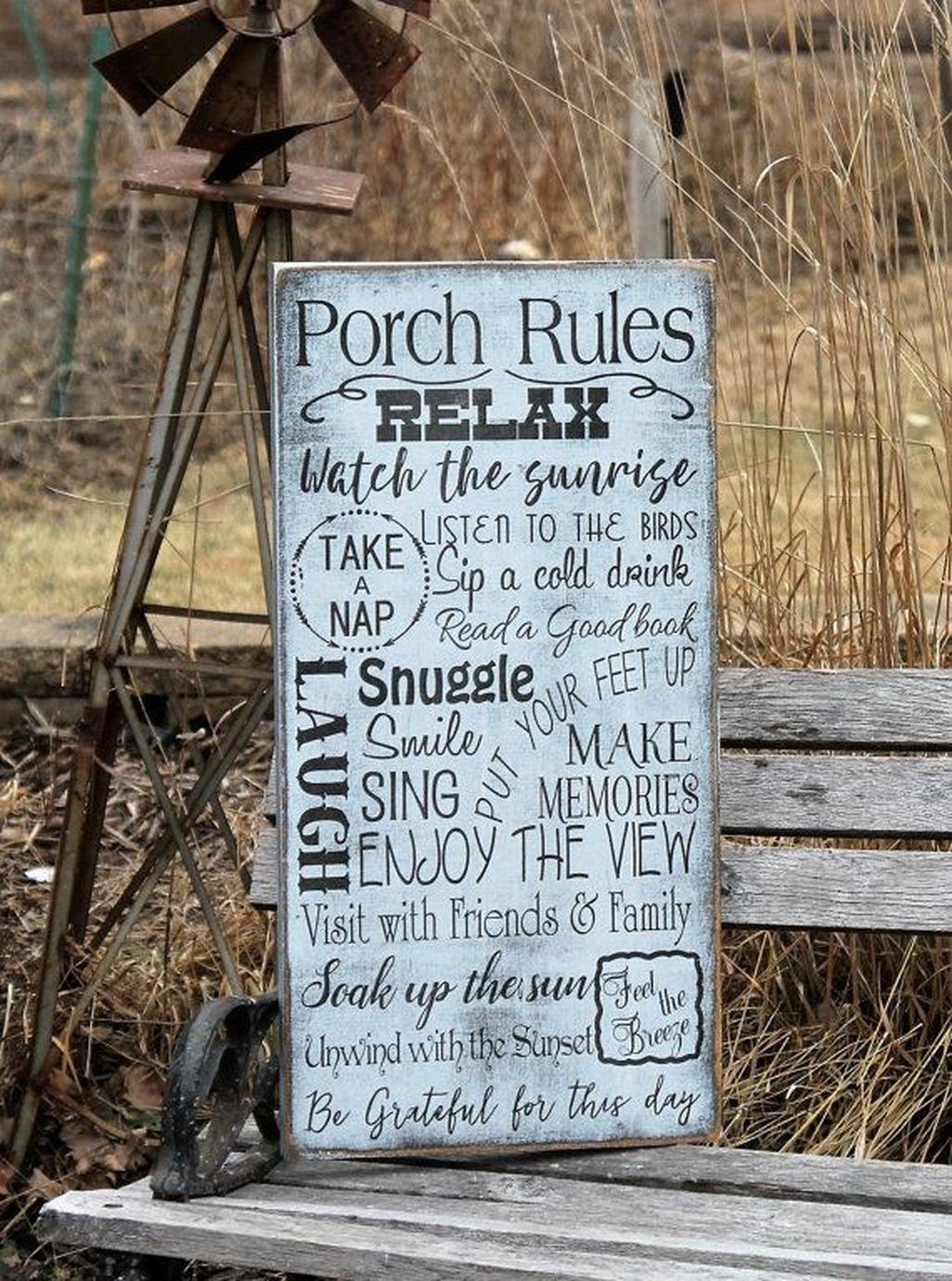 Adorable Farmhouse Spring And Summer Porch Decoration Ideas 36