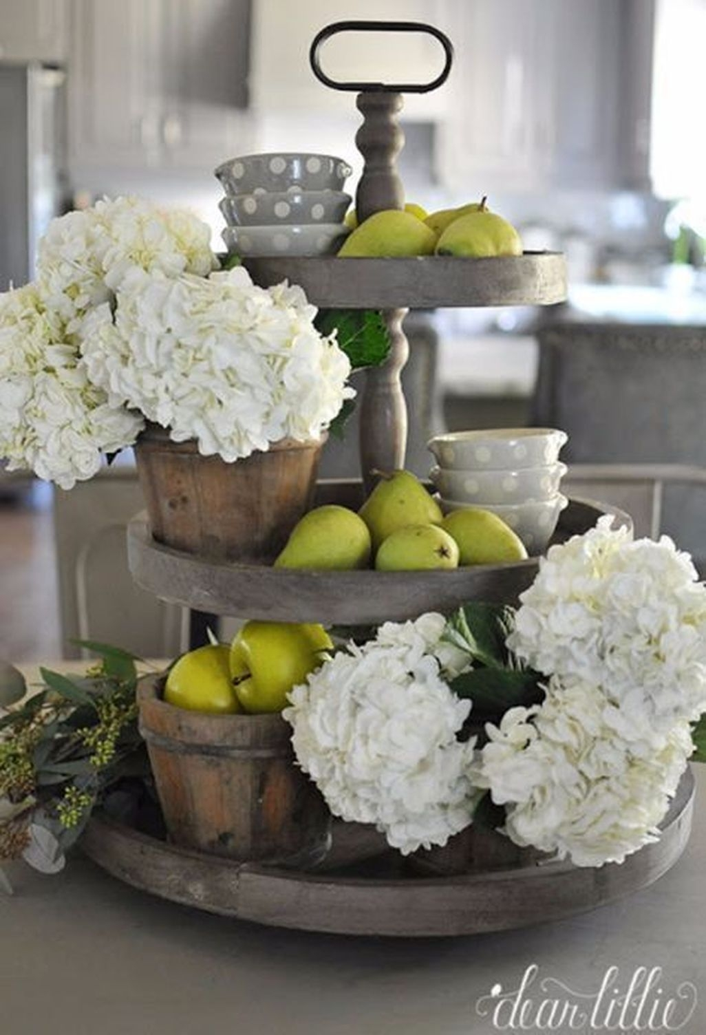 Adorable Farmhouse Spring And Summer Porch Decoration Ideas 38