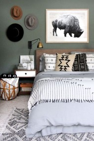 Awesome Rustic Farmhouse Bedroom Decoration Ideas 05