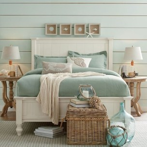 Awesome Rustic Farmhouse Bedroom Decoration Ideas 11