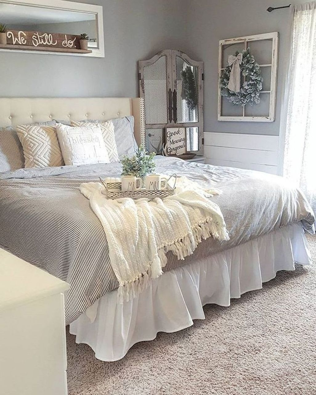 Awesome Rustic Farmhouse Bedroom Decoration Ideas 27