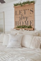 Awesome Rustic Farmhouse Bedroom Decoration Ideas 29