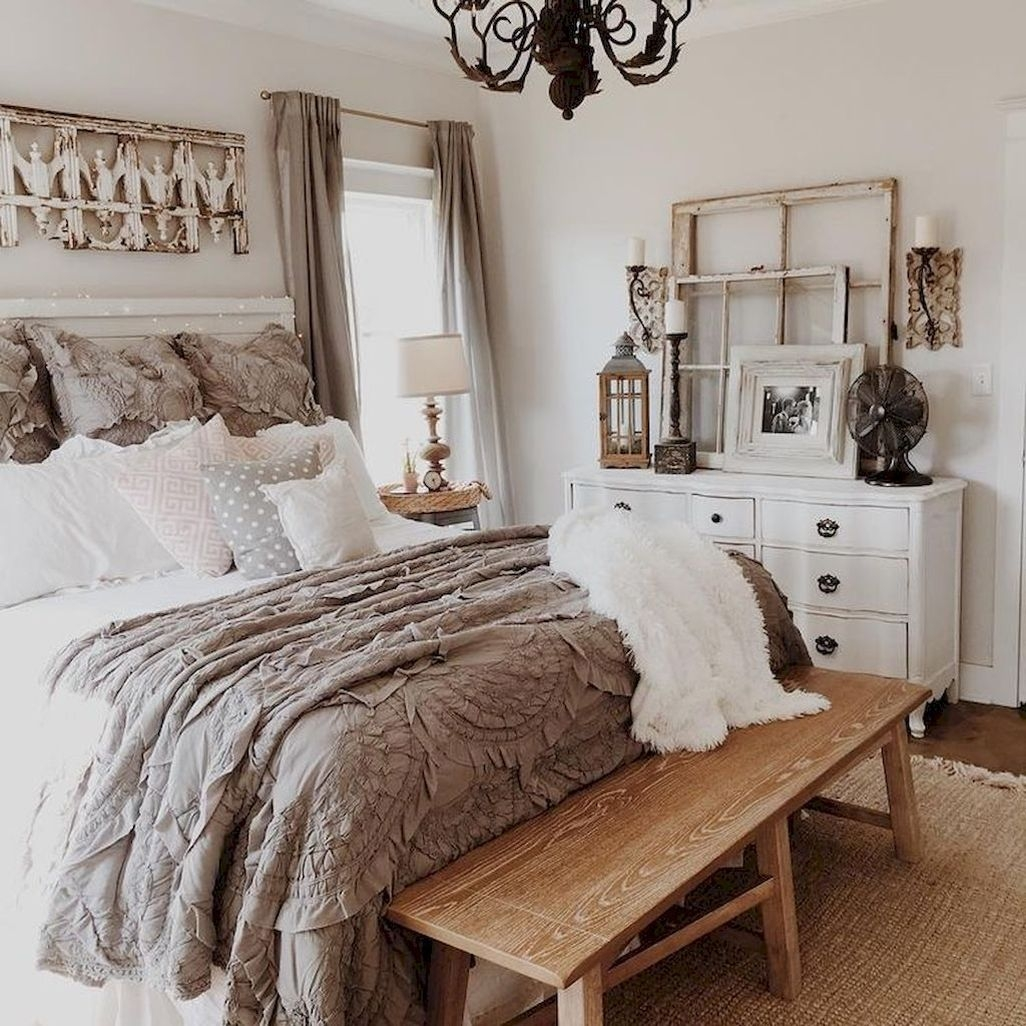 Awesome Rustic Farmhouse Bedroom Decoration Ideas 36