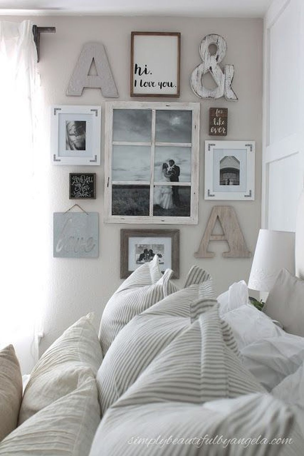 Awesome Rustic Farmhouse Bedroom Decoration Ideas 40