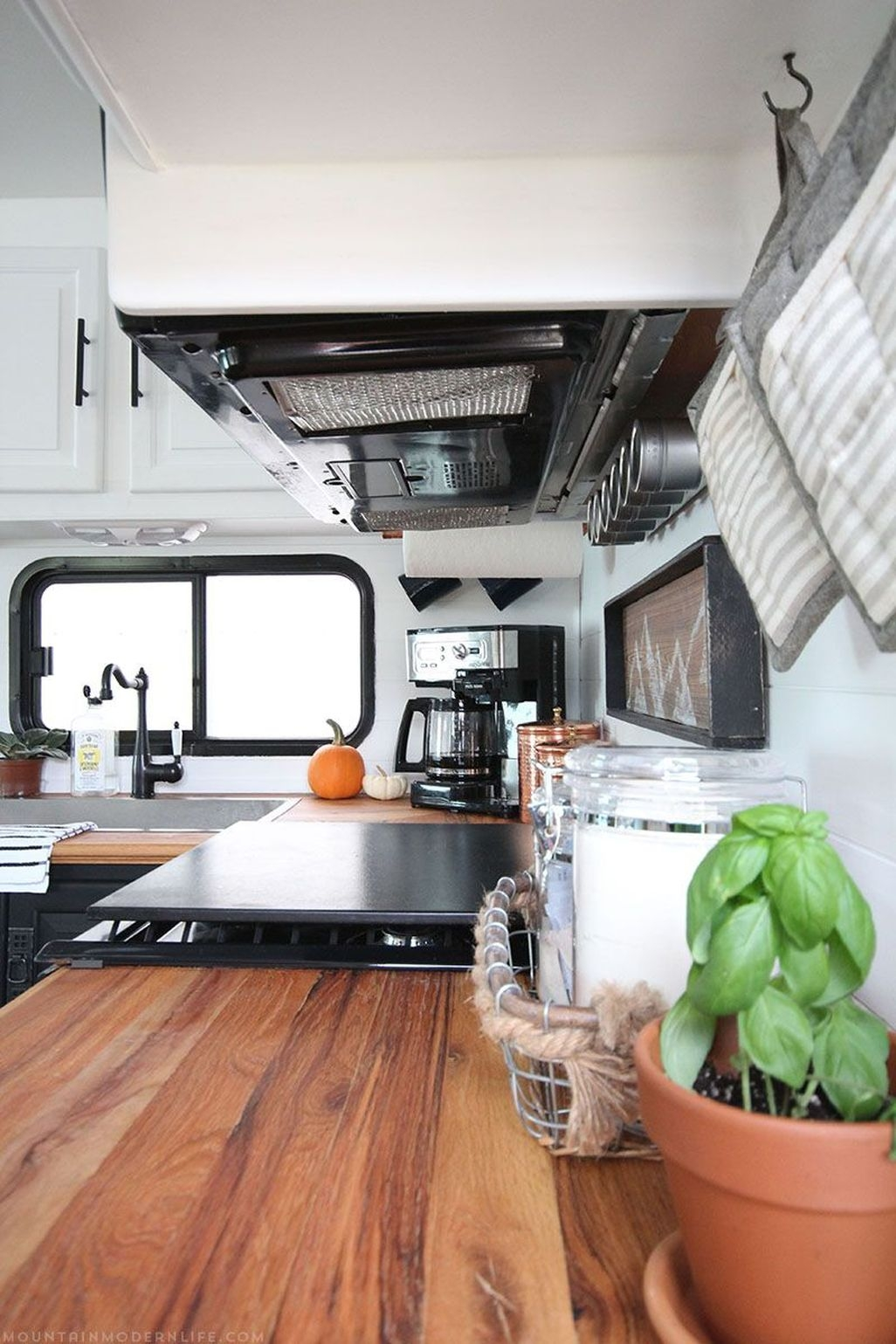 Awesome Rv Living Remodel Design Ideas 08