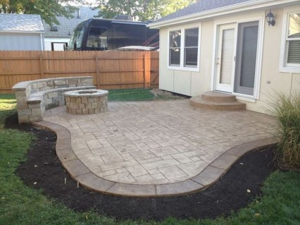 Awesome Small Backyard Patio Design Ideas 36