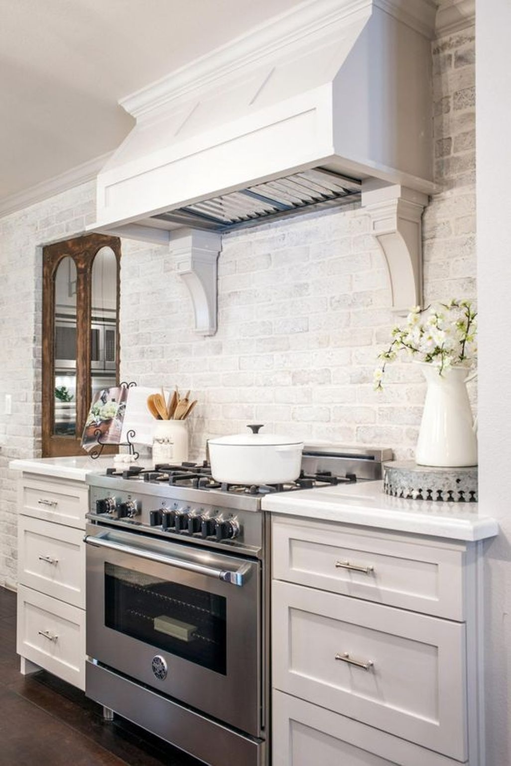 Awesome White Kitchen Backsplash Design Ideas 01