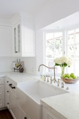 Awesome White Kitchen Backsplash Design Ideas 04