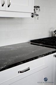 Awesome White Kitchen Backsplash Design Ideas 07