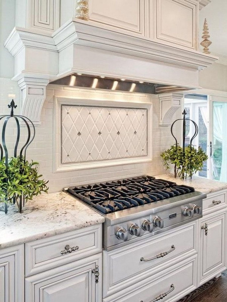 Awesome White Kitchen Backsplash Design Ideas 10
