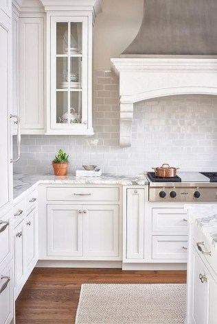 Awesome White Kitchen Backsplash Design Ideas 13