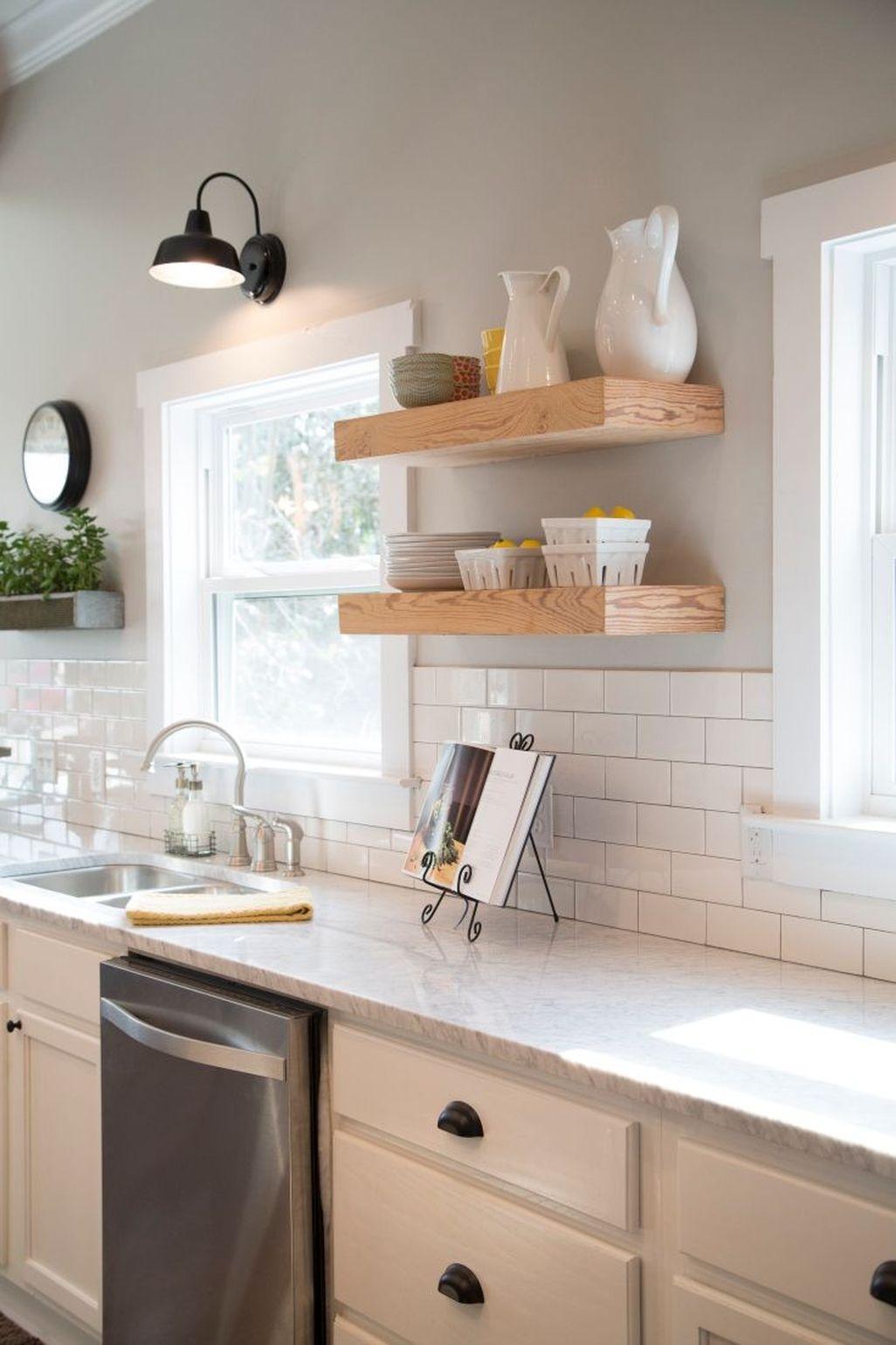 Awesome White Kitchen Backsplash Design Ideas 16