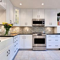 Awesome White Kitchen Backsplash Design Ideas 21