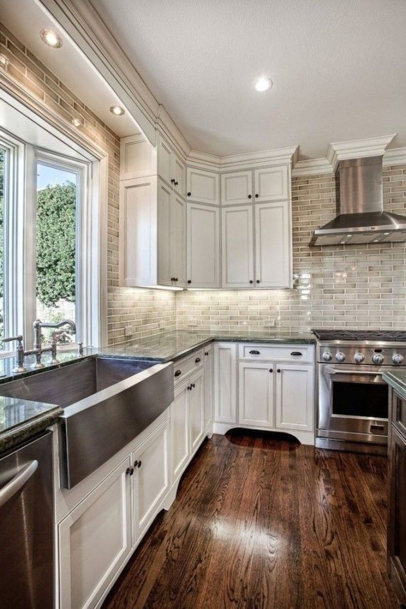 Awesome White Kitchen Backsplash Design Ideas 23