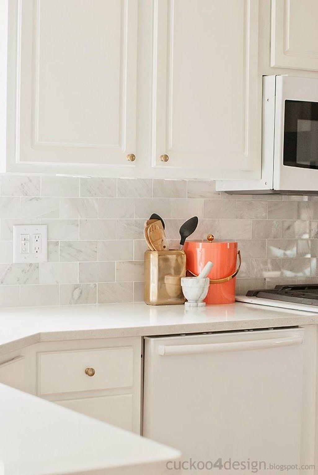 Awesome White Kitchen Backsplash Design Ideas 29