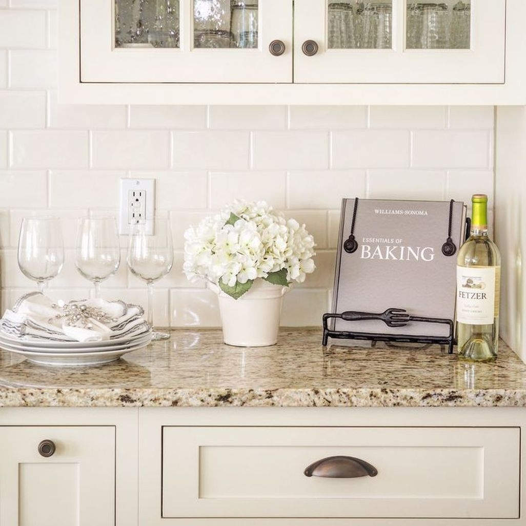 Awesome White Kitchen Backsplash Design Ideas 34