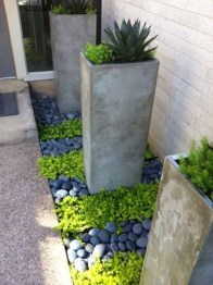 Beautiful Front Yard Rock Garden Design Ideas 02
