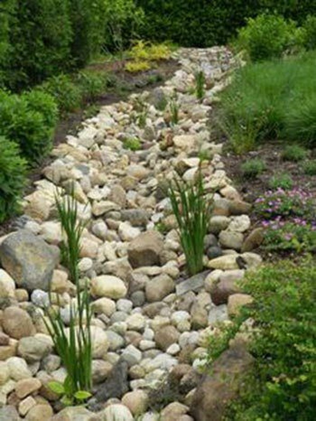 Beautiful Front Yard Rock Garden Design Ideas 12