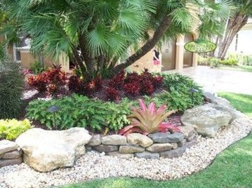 Beautiful Front Yard Rock Garden Design Ideas 14