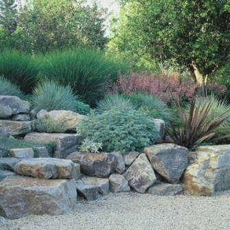 Beautiful Front Yard Rock Garden Design Ideas 30