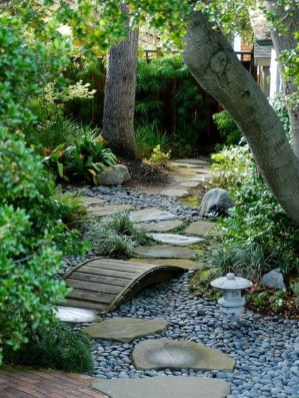 Beautiful Front Yard Rock Garden Design Ideas 40