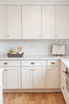 Best White Kitchen Cabinet Design Ideas 37