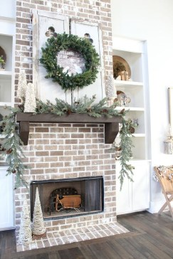 Cute Farmhouse Decoration Ideas Suitable For Spring And Summer 21