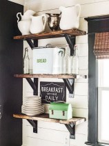 Cute Farmhouse Decoration Ideas Suitable For Spring And Summer 24